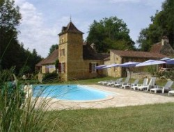 Holiday home with pool in the Lot, Midi Pyrenees. near Dégagnac