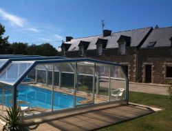 Holiday rental with covered pool in Brittany, France near Trémeur