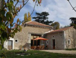 Holiday home with heated pool near Perigueux, Aquitaine. near Saint Felix de Bourdeilles