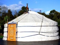 Unusual stay in yurts in Brittany near Pledeliac