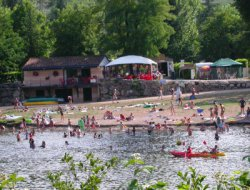Camping mobil-homes in Saint Cirq Lapopie, Midi Pyrenees near Cabrerets