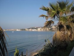 Seaside holiday rental in Sanary sur Mer, French Riviera near Cassis