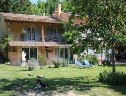 Gites avec piscine en Haute Provence.