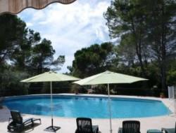 Location vacances avec piscine à Bagnols en Forêt
