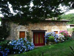 Gite rural à louer a Nontron dans le Périgord vert.