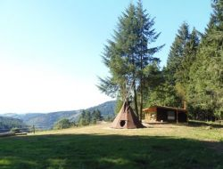 Unusual stay in a teepee in Auvergne. near Laprugne