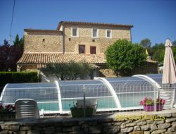 Holiday homes with covered pool in the Languedoc Roussillon.