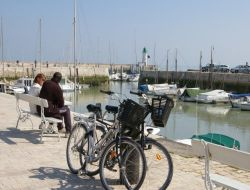 Holiday rentals on the Ile de Ré, Poitou Charente. near Sainte Marie de Ré