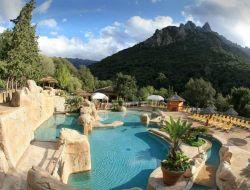 Locations vacances en camping en Corse.