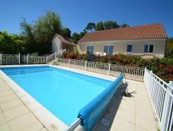 Location vacances avec piscine chauff�e en Corr�ze.