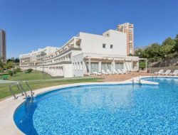 Holiday rentals with pool in Benidorm, Spain.