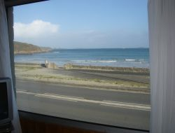 Seafront holiday home in Brittany. near Penvenan