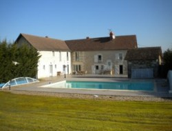 Holiday homes with pool in Poitou Charente near Luzé