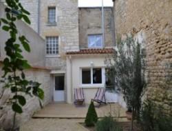 Gite faymoreau location gite faymoreau vendee for Location garage fontenay le comte