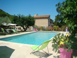 Holiday accommodation near carpentras in Provence. near Bédoin