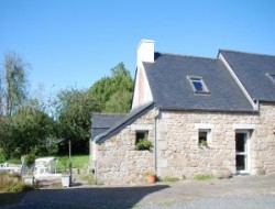 Holiday home in stone in North Brittany. near Mespaul