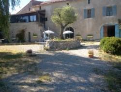 Gite avec piscine a louer dans le Gard.