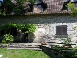 Holiday cottage near Cahors in the Lot, Midi Pyrenees. near Marcilhac sur Célé