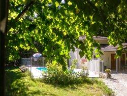 Gite avec piscine a louer dans le Quercy.