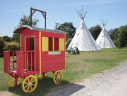 Unusual camping in Vendee, Pays de la Loire. near Machecoul Saint Meme