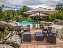 Gite de charme avec piscine en sud Ardèche.