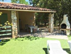 Location de gîtes avec piscine en Ardèche.