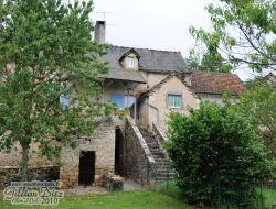 Gîte rural avec piscine a louer dans l'Aveyron.