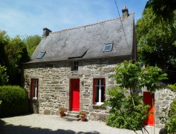 Holiday homes with heated pool in Bretagne. near Saint Nicolas du Pelem