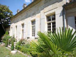 Gite de grande capacité avec piscine en Dordogne.