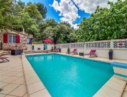 Gite de charme avec piscine dans le Gard.