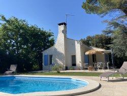 Location avec piscine privée dans le Gard.
