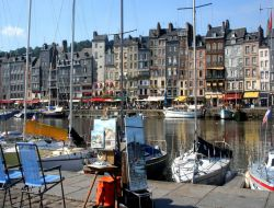 Seaside holiday rentals in Honfleur, Normandy.