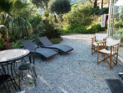 Seaside air conditioned holiday rental on the French Riviera