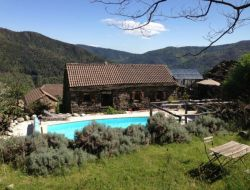 Holiday homes with pool in Ardeche, France. near Mayres