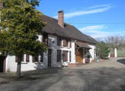 Grand gite a louer dans l'Yonne, en Bourgogne.
