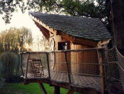 Location de cabanes perchées en Mayenne.