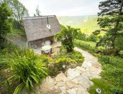 Chalet avec piscine a louer dans le Cantal