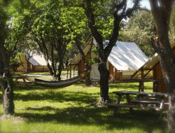 Montjoyer Yourtes, tipis, tente lodges dans le Vaucluse