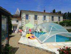 Grand gite avec piscine en Charente Maritime