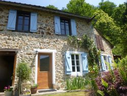 Holiday home with pool in french pyrenean mountains.