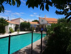 Holiday home with heated pool near La Rochelle