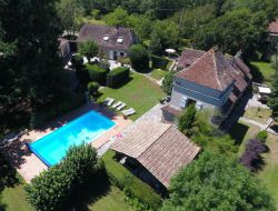 Charming b&b with pool in the Lot, Midi Pyrenees.
