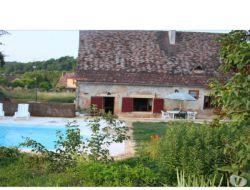 Gîte avec piscine privée à louer en Dordogne.