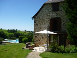 Holiday cottage with heated pool in Aveyron, Midi Pyrenees. near Colombies