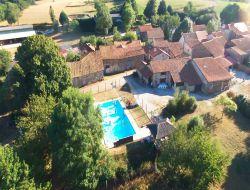 Village de gites avec piscine dans le Perigord.