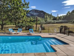 Holiday homes with pool and tennis in the Drome. near Vinsobres