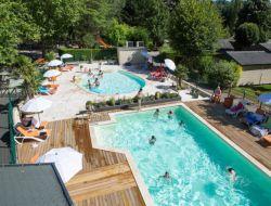Village vacances avec piscine en Aveyron