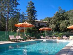 Gîtes piscine chauffée a Anduze dans le Gard.