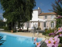 Bed and breakfast with pool near Royan. near Trizay