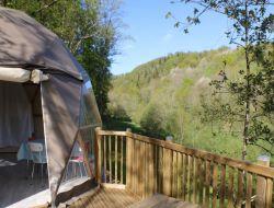 Locations vacances insolites dans le Cantal.